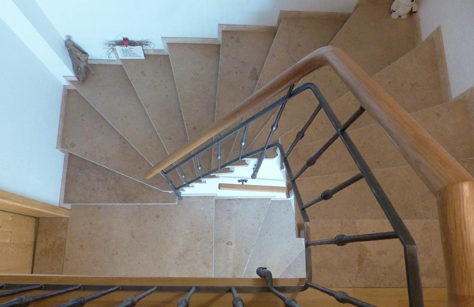 travertin treppenanlage treppenstufen nach ma. Black Bedroom Furniture Sets. Home Design Ideas