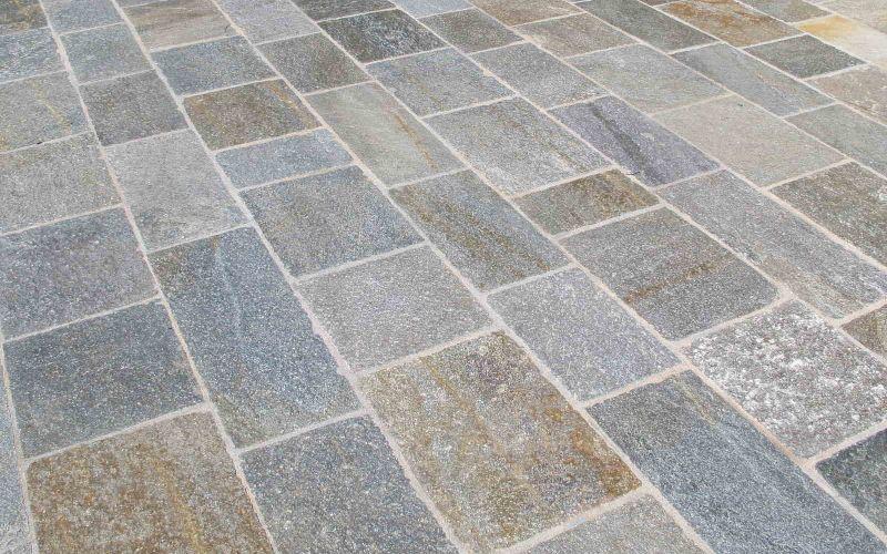 beige graue Luserna Gneis Terrassenplatten