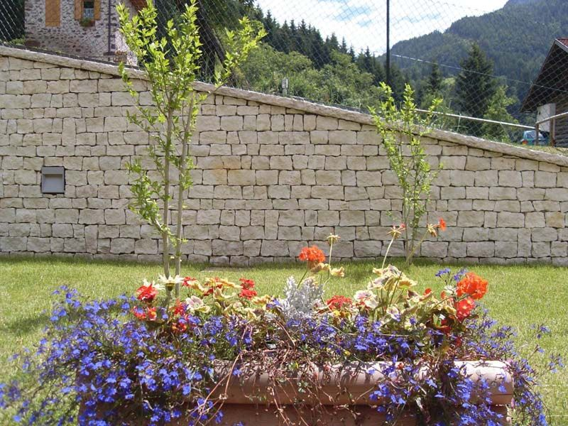 Natursteinmauer Gartenmauer Aus Naturstein Selber Bauen