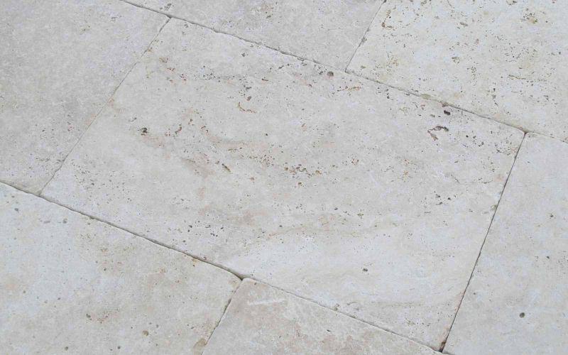 Travertin Terrassenplatten Crema hell